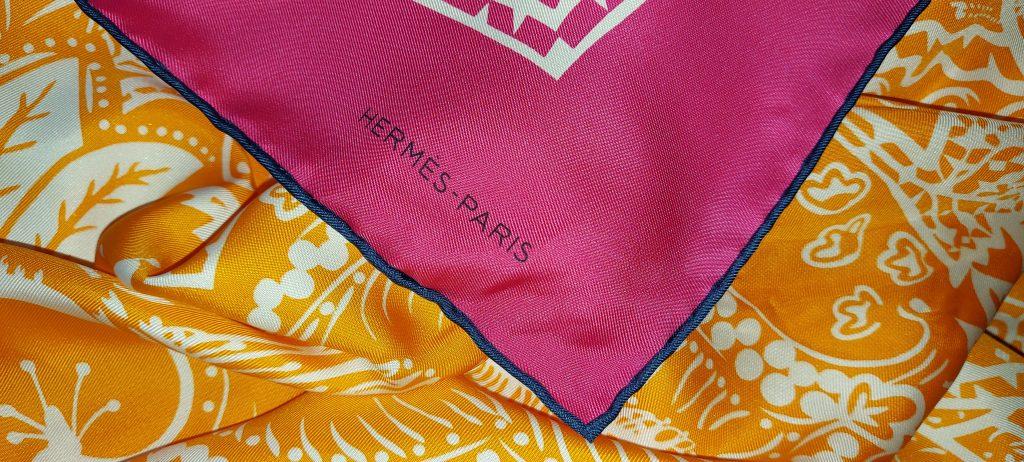 Carré Hermès, la touche française.